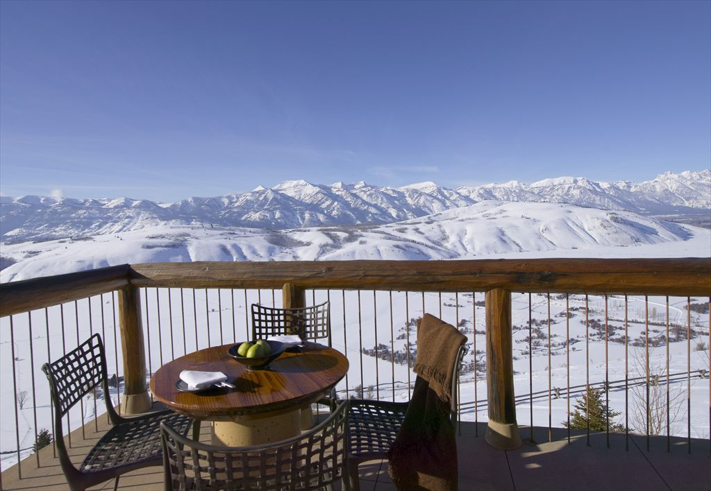 R-RS1109_Amangani - Grand Teton Suite Terrace_Winter-lpr