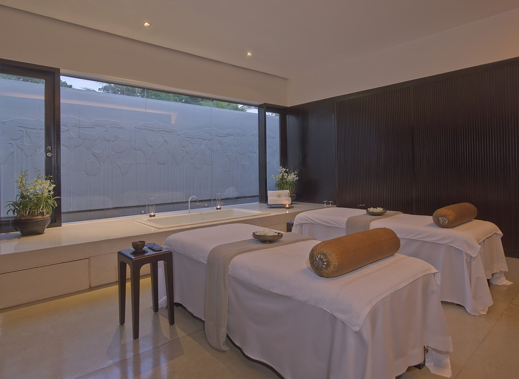 RS757_Amansara - Spa Treatment Room-lpr