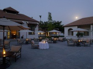 RS136_Amantaka - Pool Terrace Dining-lpr