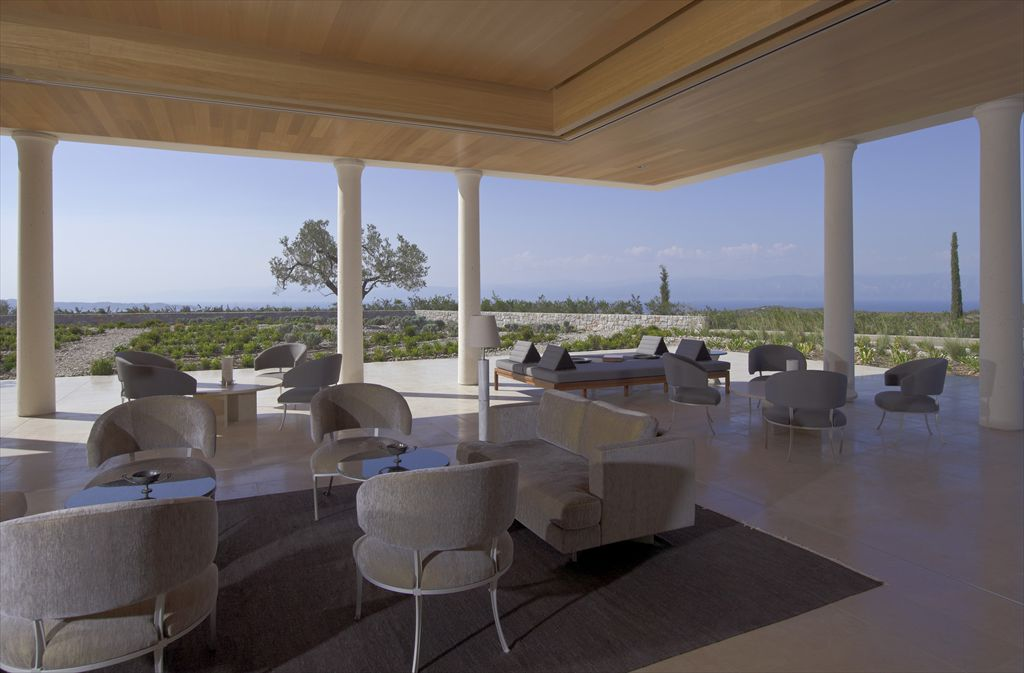 R-RS651_Amanzoe - Living Room-lpr